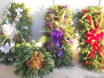 Cemetery Blankets and Wreaths In Waterford Michigan Jacobsen's Flowers